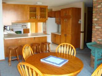 executive suites kamloops one bedroom unit in fully furnished house kitchen area