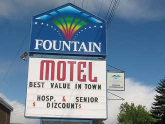 fountain motel kamloops sign